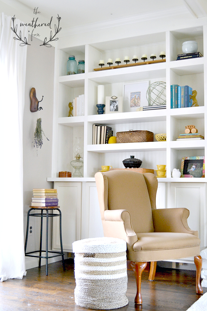 Built Ins DIY. Seriously the easiest tutorial I have found for DIY Built In Bookshelves. She even gives her supply list for this #DIY #Built In #Bookshelf #tutorial theweatheredfox.com