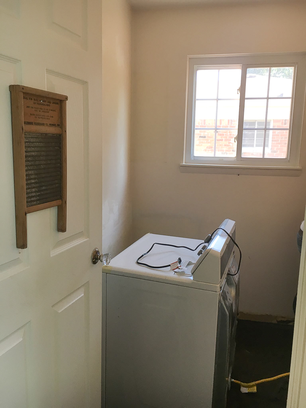 laundry-room-makeover-after-we-took-down-the-cabinets