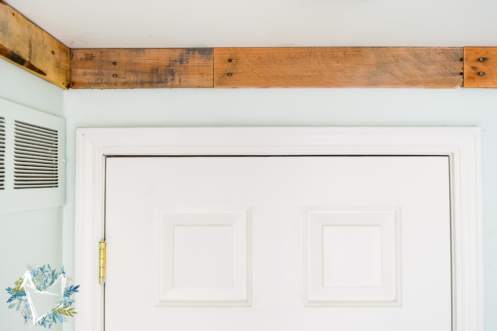 Nature Inspired Bedroom Pallet Molding 3