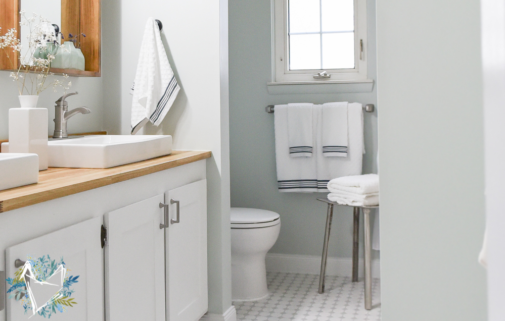 Modern Farmhouse Bathroom Reveal