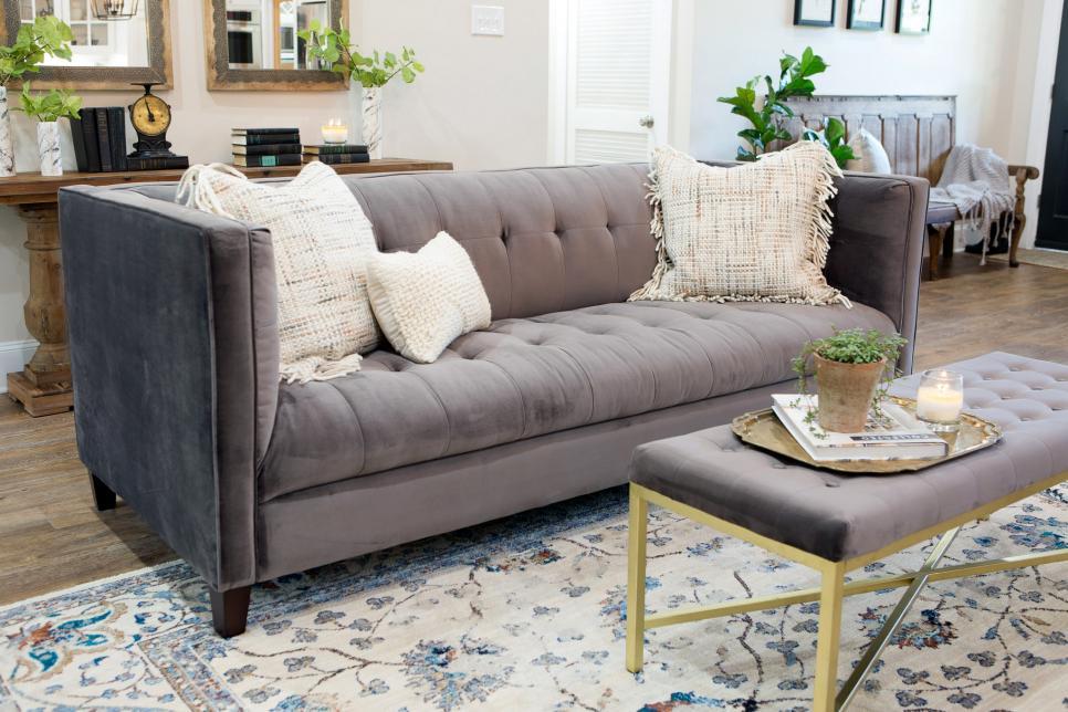 fixer-upper-season-4-living-room