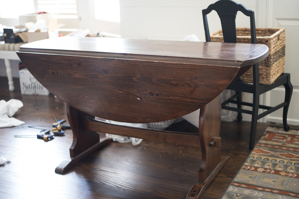 DIY Farmhouse Table from Thirft Store Table. Replace your old table top and transform your didning table into a farmhouse table on a budget.