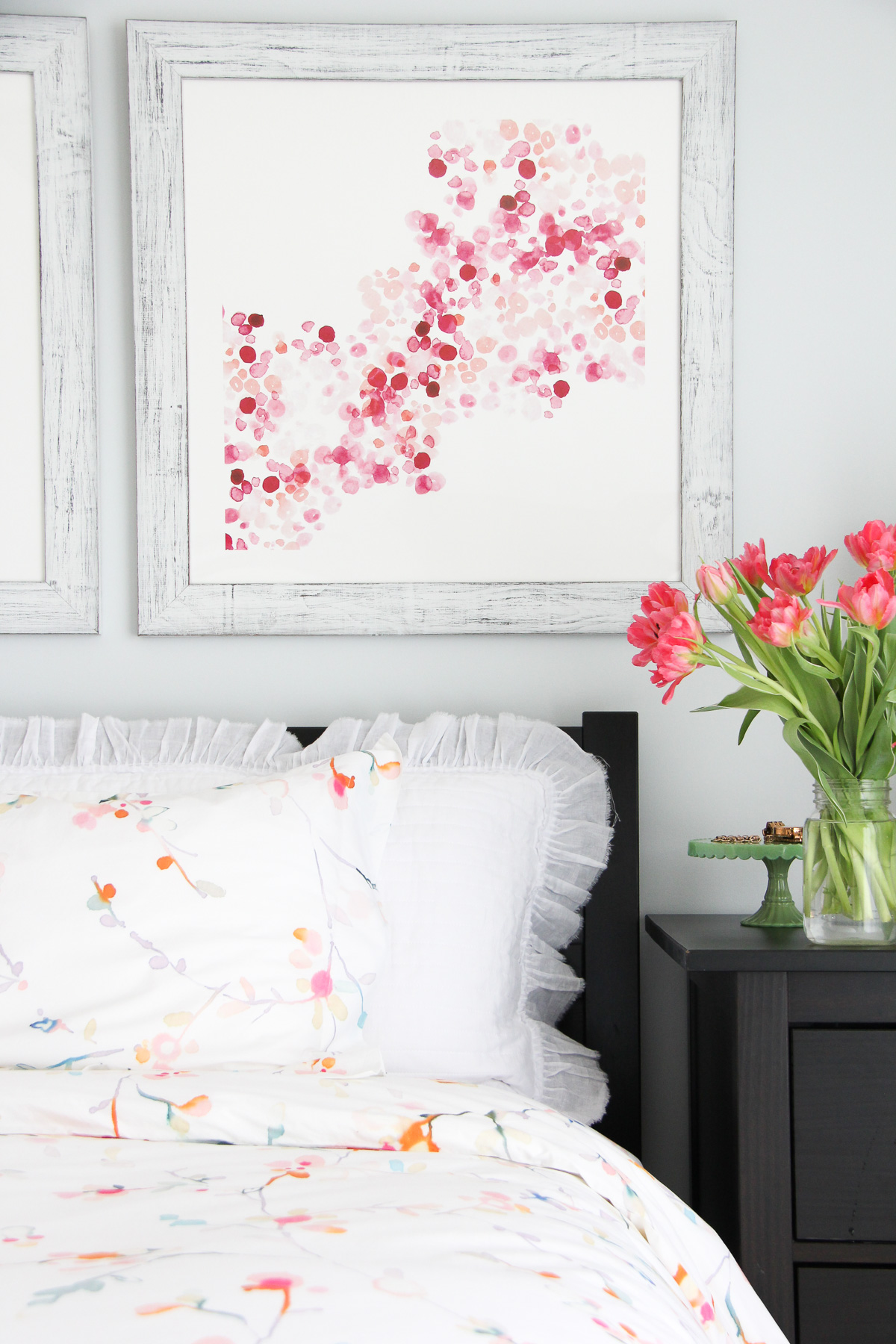 Spring Farmhouse Tours. Add a touch of spring with pops of art, a new duvet, and fresh flowers