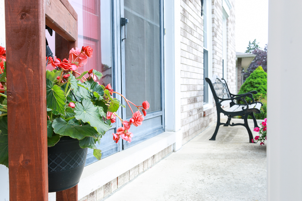 DIY Hanging Plant Stand for Outdoor Decorating-8