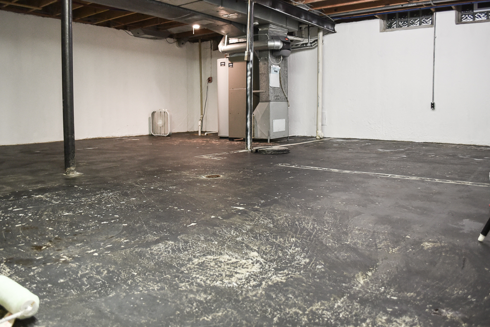 Unfinished basement ideas to sell a house-16