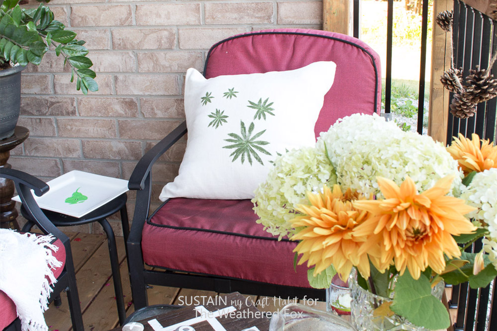 DIY leaf stamped outdoor pillow covers. Perfect budget friendly DIY patio or porch idea!