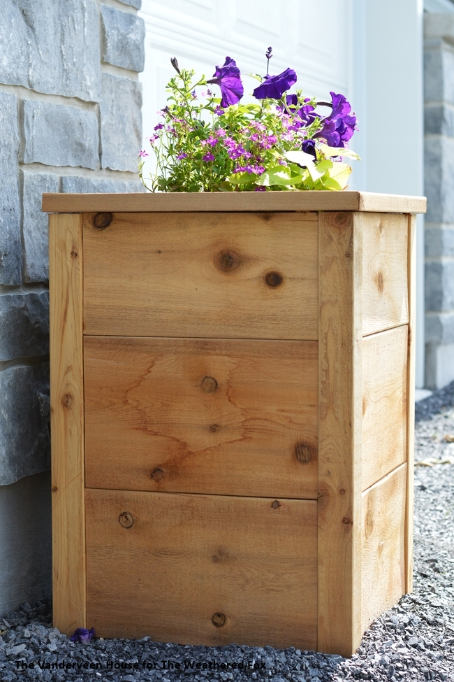 How to make a cedar planter