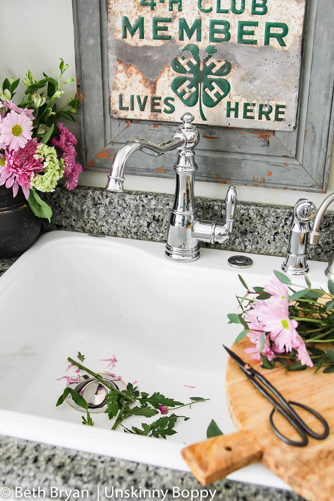 Stylish and Functional Farmhouse Kitchen Faucets - The Weathered Fox