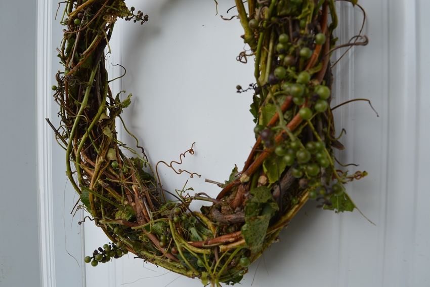 DIY grapevine wreath for fall