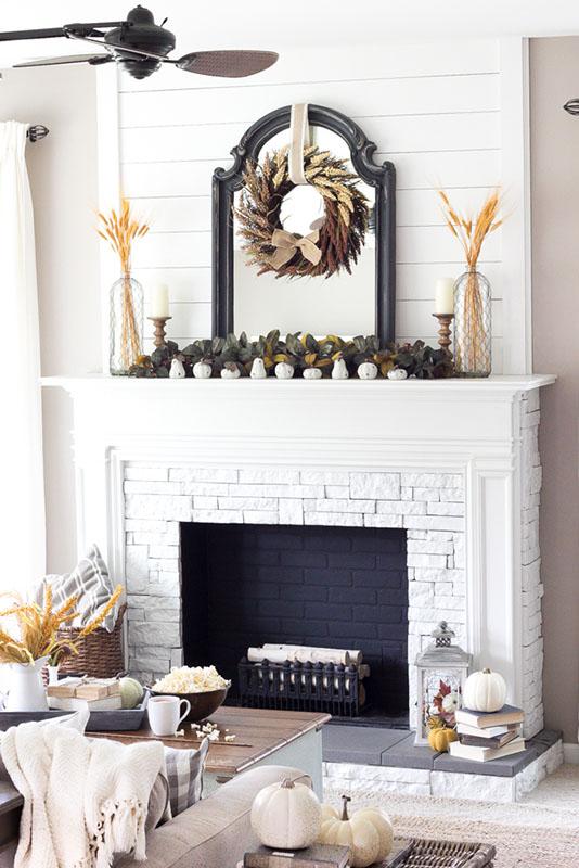 Perfect Farmhouse Fall Mantel Ideas, Decorating Fireplace Mantel Farmhouse Style