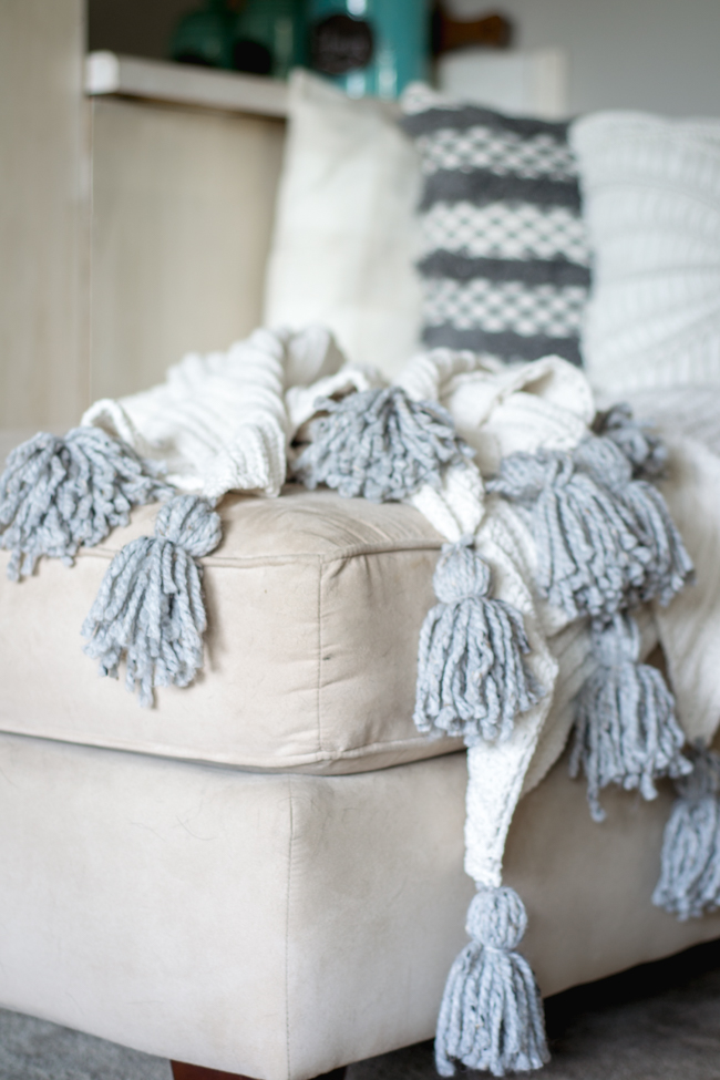 DIY no sew tassel blanket