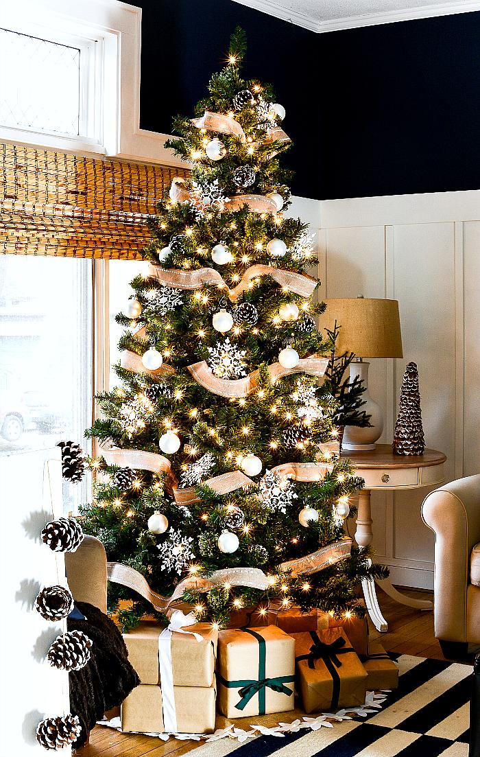 Amazing Farmhouse Christmas Trees The Weathered Fox