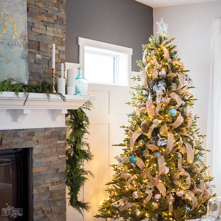 The DIY Mommy Farmhouse Christmas Tree