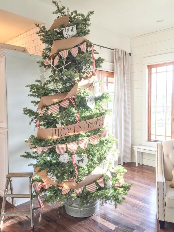 twelve on main farmhouse christmas tree - Farmhouse Christmas Tree Decorations