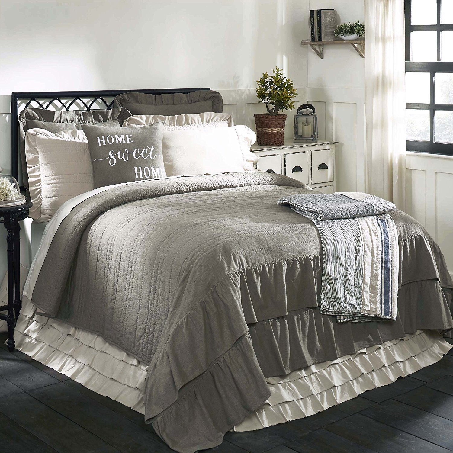 Take your bedroom to the next level by adding stylish farmhouse bedding! I've gathered gorgeous accessories for your bed to give you lots of ideas as you style your bedroom using farmhouse bedding!